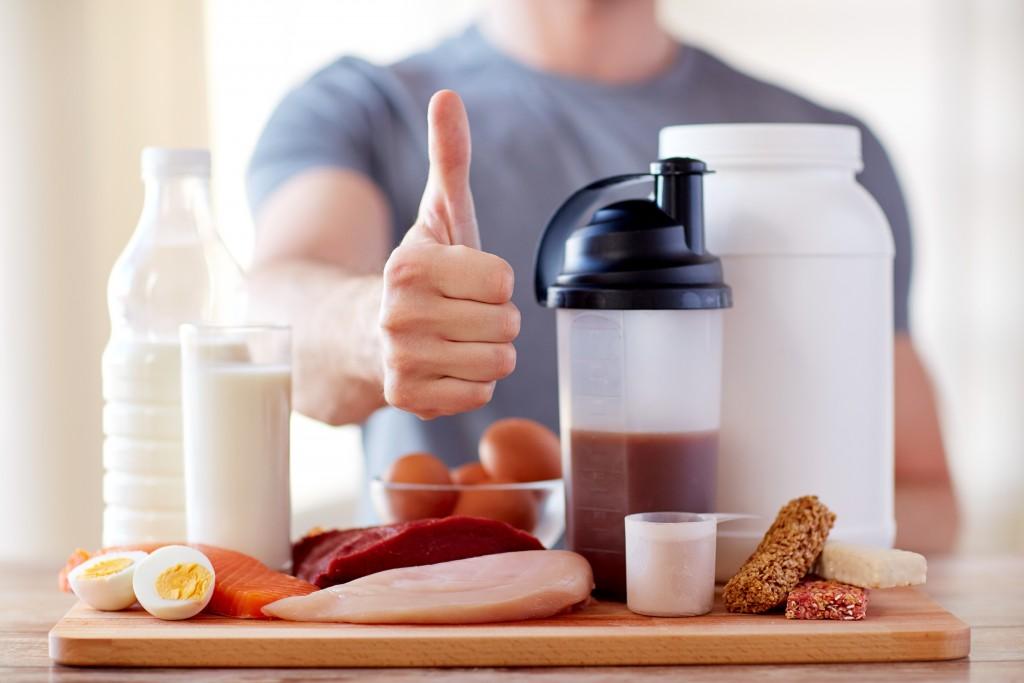 Für den Muskelaufbau reicht normale Ernährung aus. Bild: Syda Productions - fotolia