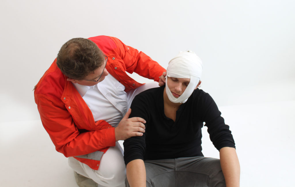 In Zukunft könnte ein simpler Bluttest ausreichen, um festzustellen, ob Menschen an einer Gehirnerschütterung leiden. Eine solche Diagnose würde eine weitere schnelle Behandlung ermöglichen. (Bild: Schulz-Design/fotolia.com)