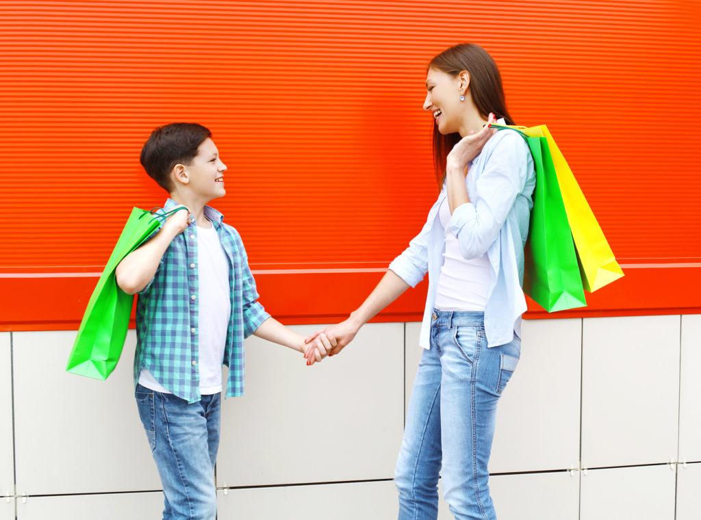 Bein Einkaufen sollten Kinder ihre eigenen Entscheidungen treffen können. (Bild: rohappy/fotolia.com)