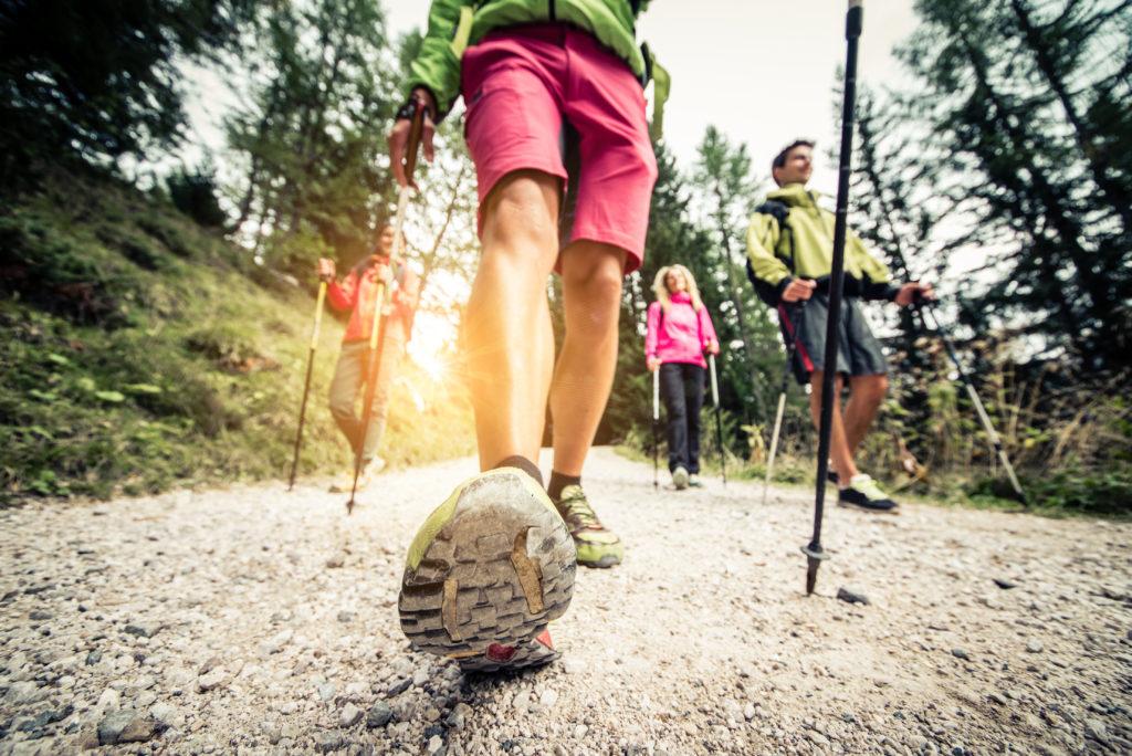 Obwohl Sport gesund ist, fällt es vielen Menschen schwer, sich zu regelmäßiger Bewegung aufzuraffen. Eine Expertin hat Tipps parat, wie der innere Schweinehund überwunden werden kann. (Bild: oneinchpunch/fotolia.com)