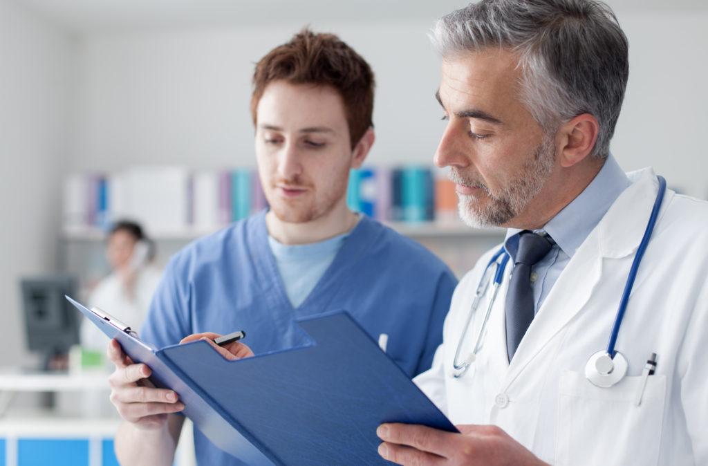 Helfen Bewertungsportale bei der Wahl des Arztes? Bild: stokkete - fotolia