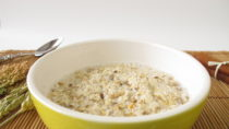 Frühstücksbrei oft mit zu viel Zucker. Bild: Heike Rau - fotolia