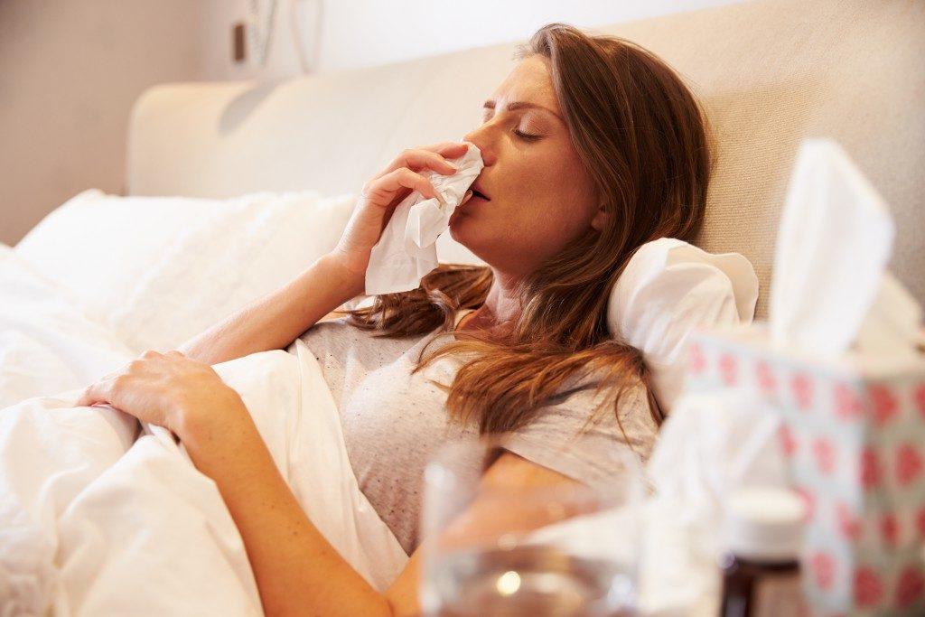 Viele Deutsche liegen derzeit mit Grippe im Bett. Mehr als 3.000 Infizierte hat das Robert Koch-Institut bereits verzeichnet. (Bild: Monkey Business/fotolia.com)