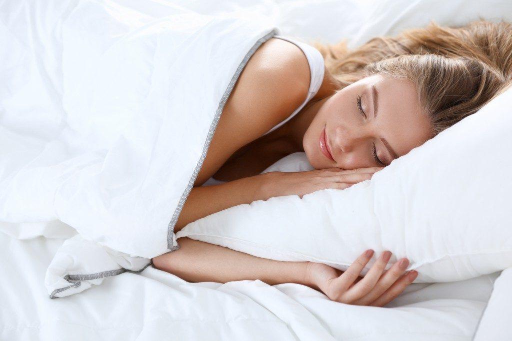 Bild: Mehr als acht Stunden Schlaf pro Nacht, erhöht das Risiko für Herzerkrankungen. (Bild: lenets_tan/Fotolia.com)