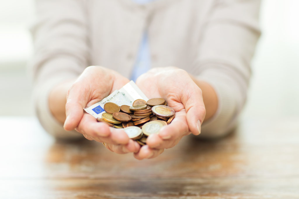 Die Lebenserwartung steht in engem Zusammenhang mit dem erzielten Einkommen. (Bild: Syda Productions/fotolia.com)