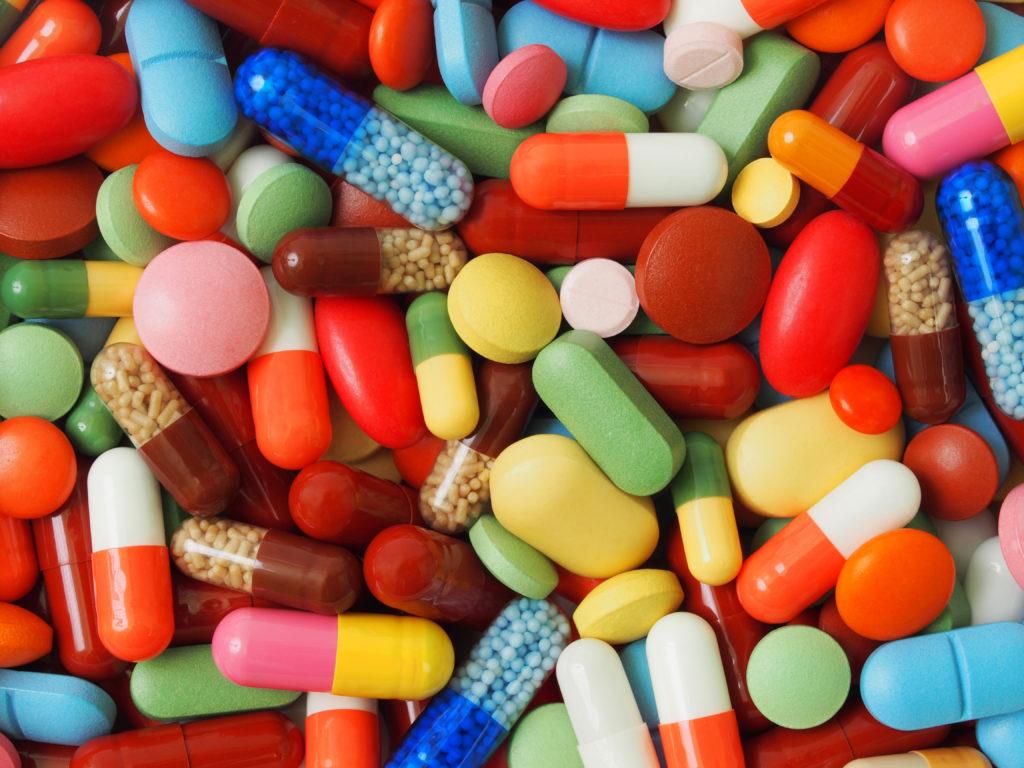 Vor allem Deutsche bestellen Medikamente immer öfter online und lassen dabei jede Vorsicht missen. Und das obwohl der Zoll Millionen gefälschte Arzneien sichergestellt hat. (Bild: Andrzej Tokarski/fotolia.com)