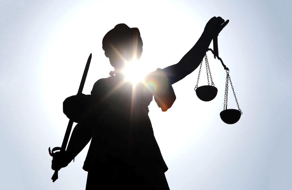 In Hessen steht ein Arzt vor Gericht, der Kinder mit einem nicht zugelassenen Medikament behandelt haben soll. (Bild: helmutvogler/fotolia.com)