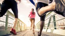 Einer Studie der Techniker Krankenkasse zufolge ist Deutschland mittig zweigeteilt: In eine Hälfte, die sportlich aktiv ist und eine, die sich selbst als Sportmuffel bezeichnet. (Bild: oneinchpunch/fotolia.com)