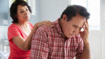 Nehmen die Symptome einer Depression deutlich zu, kann dies Vorbote einer Demenz sein. (Bild: Monkey Business/fotolia.com)