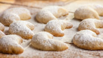Im Schwarzwald mussten mehrere junge Männer nach dem Konsum von Haschisch-Keksen in einer Klinik behandelt werden. Sie wussten nichts von dem enthaltenen Rauschgift. (Bild:  cmfotoworks/fotolia.com)