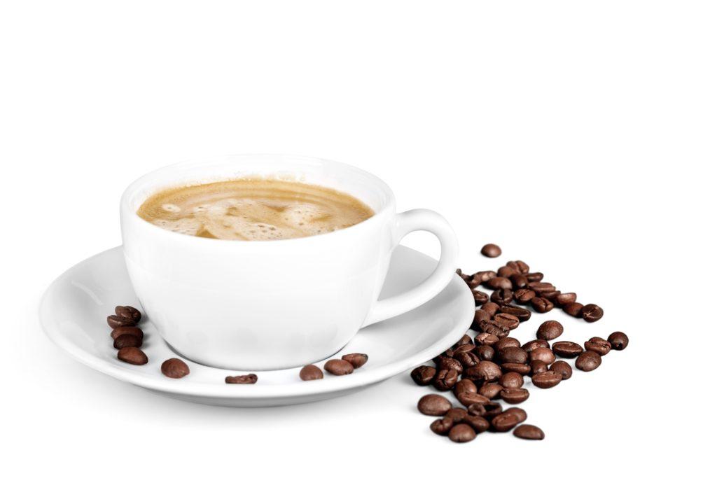 US-amerikanische Forscher haben herausgefunden, dass regelmäßiger Kaffeekonsum vor Darmkrebs schützen kann. Ob mit oder ohne Koffein spielt dabei keine Rolle. (Bild: BillionPhotos/fotolia.com)