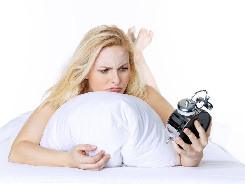 Mediziner fanden heraus, dass schwere Kopfverletzungen Schlafprobleme auslösen können. Diese Schlafstörungen bleiben dann für einen langen Zeitraum erhalten. (Bild: Karin & Uwe Annas/fotolia.com)