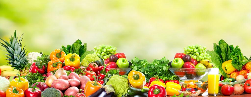 Der tägliche Konsum von 100 Gramm Obst senkt unser Risiko für Herzerkrankungen. Die Wahrscheinlichkeit für Herzinfarkte und Schlaganfälle wird durch frisches Obst merkbar reduziert. (Bild: Kurhan/fotolia.com)