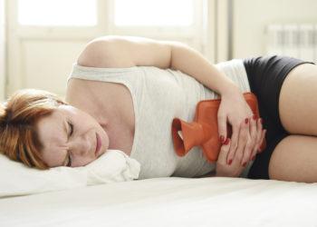 Eine angeborene Blutstillungsstörung sorgte bei einer jungen Frau für eine Dauer-Periode. (Bild: Focus Pocus LTD/fotolia.com)