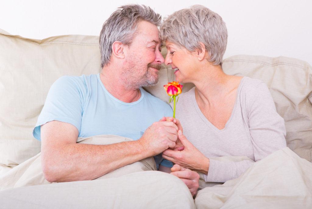 Bei Senioren nimmt das sexuelle Verlangen zwar ab, verschwindet aber nicht ganz. Sex im Alter ist etwas ganz normales. (Bild: drubig-photo/fotolia.com)