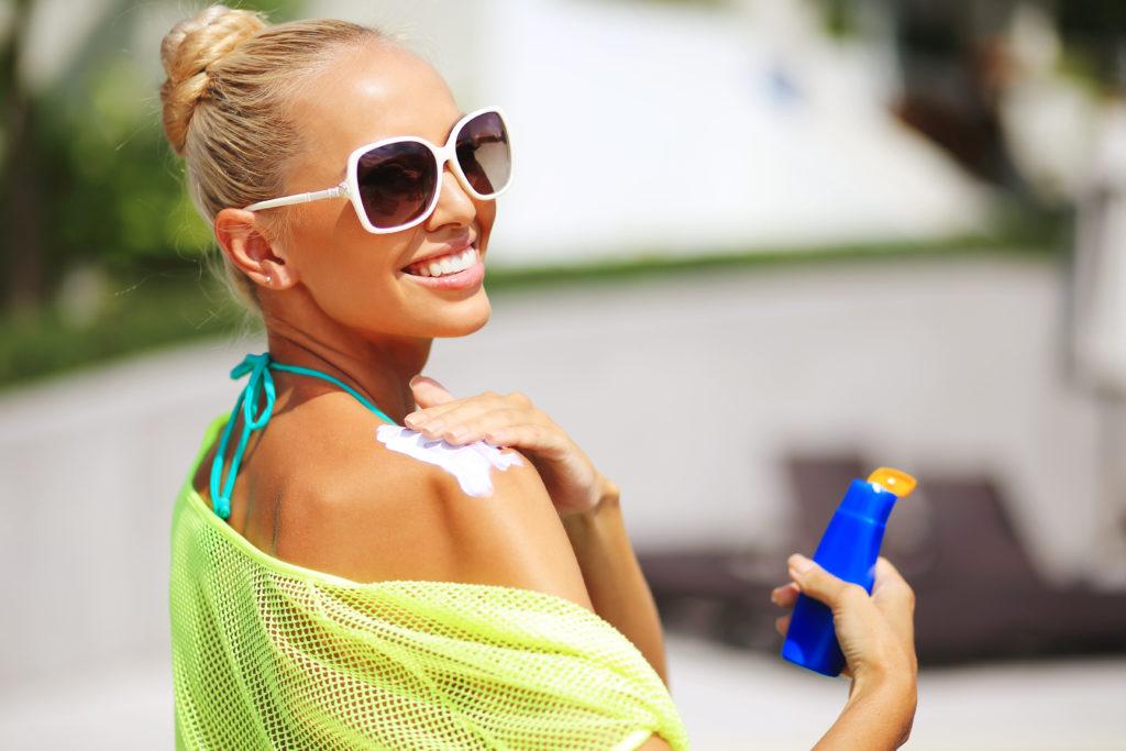 Wissenschaftler stellten bei einer Untersuchung fest, dass Sonnencremes mit LSF30 davor schützen können, Melanome zu entwickeln. (Bild paultarasenko/fotolia.com)