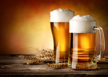 Die Haltbarkeit von Bier ist begrenzt. Bild: Givaga - fotolia