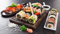 Essen für ein langes Leben? Konventionelles Sushi besteht aus rohem Fisch und Reis. Bild: Lukas Gojda - fotolia