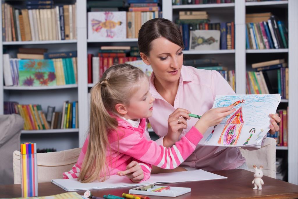 Therapieangebote an Kinder und Jugendliche. Bild: alexsokolov - fotolia