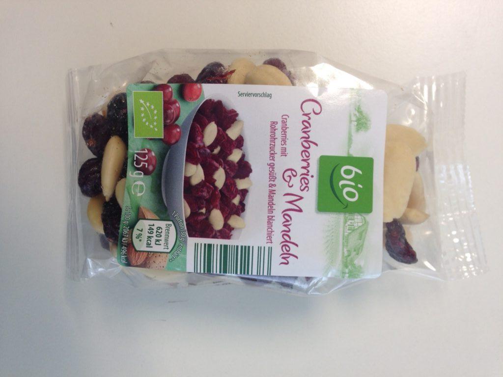 """In der Bio-Mischung """"Cranberries & Mandeln"""" von Aldi Süd wurde giftige Blausäure entdeckt. (Bildquelle: Bundesamt für Verbraucherschutz und Lebensmittelsicherheit)"""