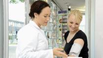 Etwa 20 bis 30 Millionen Menschen in Deutschland sind von Bluthochdruck betroffen. Viele von ihnen wissen nichts davon. Bleibt Hypertonie unbehandelt, drohen lebensgefährliche Folgekrankheiten. (Bild: Dan Race/fotolia.com)