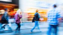 In fußgängerfreundlichen Stadtteilen leiden weniger Menschen an Übergewicht, Adipositas und Diabetes. (Bild: Christian Müller/fotolia.com)