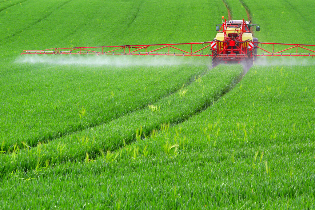 Zu dem Krebsrisiko durch Glyphosat vertreten die WHO-Institutionen unterschiedliche Auffassungen. (Bild: farbkombinat/fotolia.com)