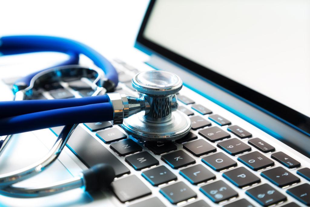 Das Internet ist für die meisten Deutschen ein ganz normales Rechercheinstrument, wenn es um die Gesundheit geht. Bei der Suche im Netz sollte man  aber stets kritisch bleiben. (Bild: Romolo Tavani/fotolia.com)