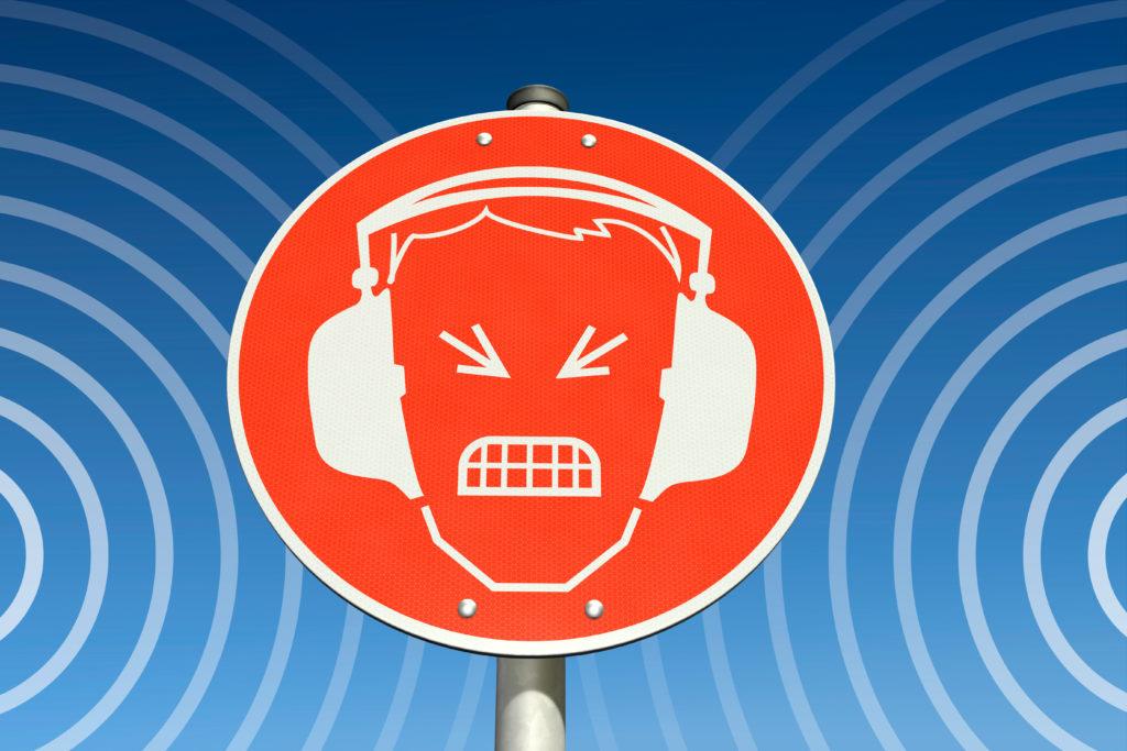 Eine hohe Lärmbelästigung geht mit erhöhten Risiken von Angst und Depressionen einher. (Bild: bluedesign/fotolia.com)