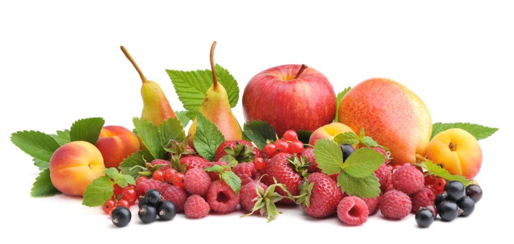 Obst ist bekanntlich gesund. Der Konsum von viel Obst in der Jugend kann sogar helfen, Krebserkrankungen im gehobenen Alter zu verhindern. Gerade junge Mädchen sollten viel Obst essen, um sich vor Brustkrebs zu schützen. (Bild: NataliTerr/fotolia.com)