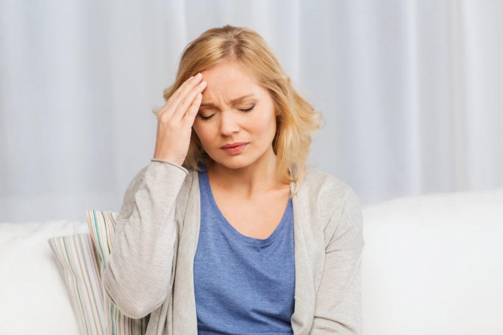 Nicht nur Senioren, sondern auch jüngere Menschen können einen Schlaganfall erleiden. Bei jungen Patienten dauert die Diagnose aber oft deutlich länger. (Bild: Syda Productions/fotolia.com)