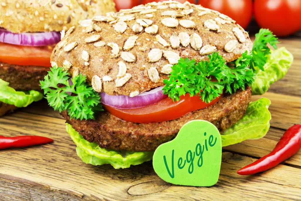 Vegetarische und vegane Lebensmittel erfreuen sich wachsender Beliebtheit. Die Umsätze für fleischlose Produkte haben sich in drei Jahren fast verdoppelt. (Bild: PhotoSG/fotolia.com)