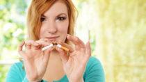 Bis heute raucht rund jeder dritte Erwachsene in Deutschland, trotz der weithin bekannten Gesundheitsrisiken. (Bild: underdogstudios/fotolia.com)