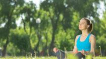 Durch Meditation entspannt sich Körper und Geist, Sie gönnen Ihrem Körper eine Auszeit und vergessen die Probleme des Alltags. Nun scheint es, als könnte Meditation und eine Achtsamkeit-basierte kognitive Therapie dabei helfen, Menschen mit Typ-1-Diabetes den Umgang mit ihrer Krankheit zu erleichtern. (Bild:Sergey Nivens/fotolia.com)