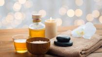 Schmerzlinderung durch Aromatherapie. Bild: Syda Productions - fotolia