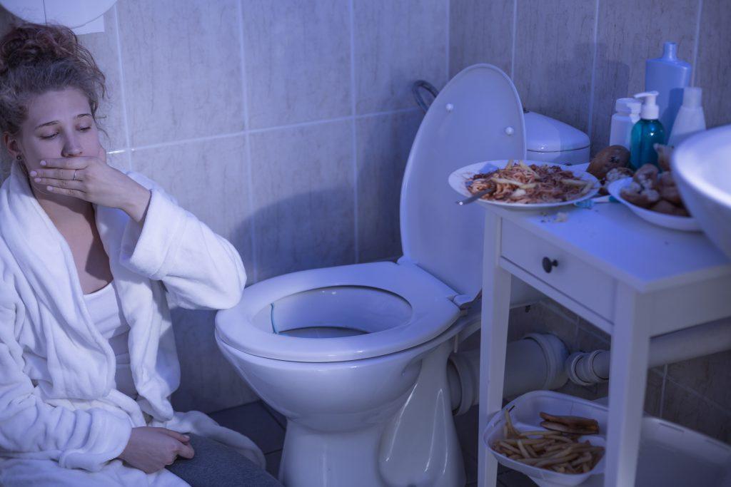 Regelrechte Essanfälle und das sofortige Ausbrechen der Speisen. Bild: Photographee.eu - fotolia