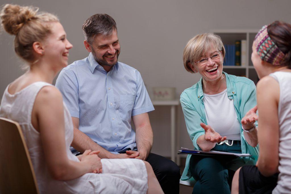 Einzel- oder Gruppentherapien haben sich nachweislich als heilend erwiesen. Bild: Photographee.eu - fotolia
