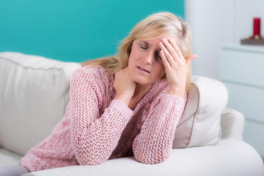 Leichte Kopfschmerzen durch Stress können leicht selbst behandelt werden. Bild: Picture-Factory - fotolia