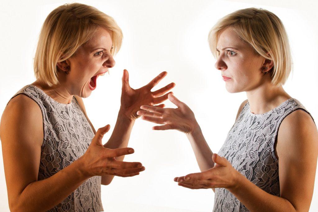 Wenn der Kopf verrückt spielt: Erste Warnhinweise, Ursachen und Behandlung von Schizophrenie. Bild: pix4U - fotolia