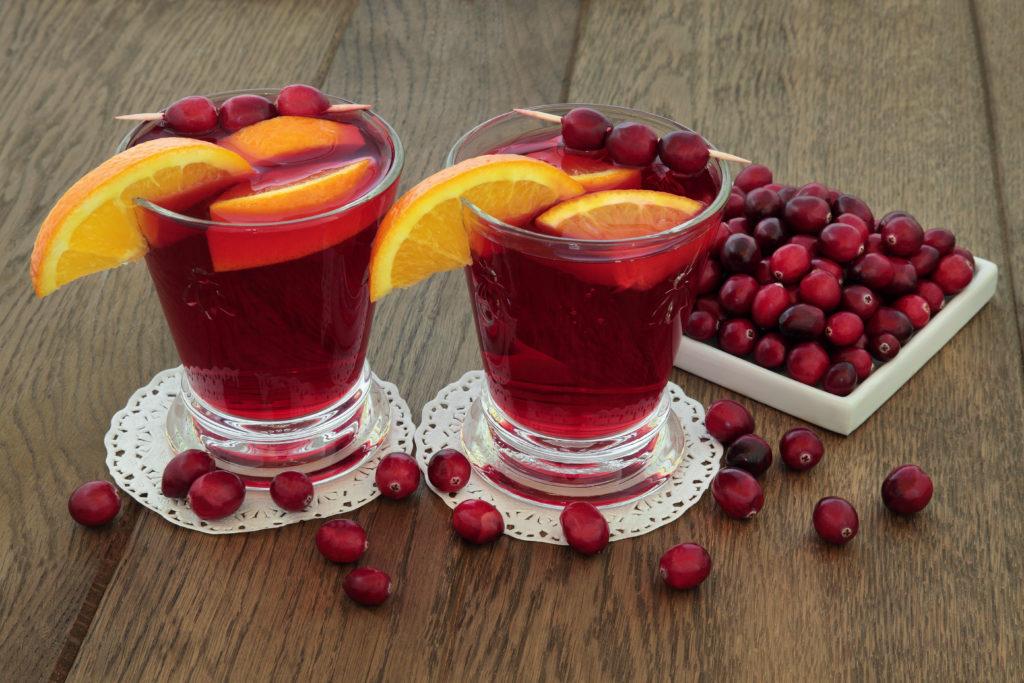 Cranberry-Saft schmeckt nicht nur lecker und ist gesund, er könnte auch dabei helfen, den übermäßigen Einsatz von Antibiotika zu verringern. (Bild: marilyn barbone/fotolia.com)