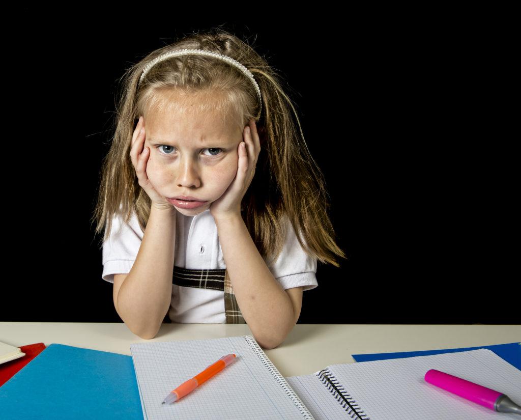 Kinder sind heute psychisch kränker als früher. Darauf weisen aktuelle Untersuchungen hin. Der Leistungsdruck kommt immer früher bei den Kleinen an. Viele von ihnen werden auch Mobbing-Opfer. (Bild: Focus Pocus LTD/fotolia.com)