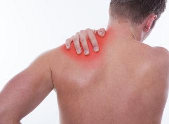 Die Muskulatur kann infolge unterschiedlicher Ursachen verhärten. Häufig ist eine übermäßige Belastung Auslöser der Beschwerden. (Bild: drubig-photo/fotolia.com)
