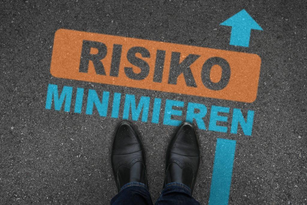 Alten Menschen wird nachgesagt, dass sie allgemein weniger Risiken eingehen. Aber ist diese Aussage auch richtig? Und wenn ja, welche Risiken vermeiden unsere ältern Mitbürger eigentlich? (Bild: WoGi/fotolia.com)