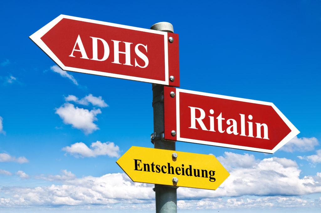 Bei einer sogenannten Aufmerksamkeitsdefizit-Hyperaktivitätsstörung (ADHS) wird Kindern und Jugendlichen oft Ritalin verschrieben. Forscher fanden jetzt heraus, dass das Medikament die Wahrscheinlichkeit für Herzrhythmusstörungen erhöht. (Bild: L.Klauser/fotolia.com)