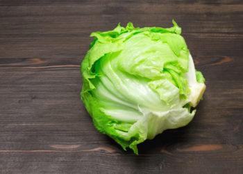 So bleib Eisbergsalat auch im Sommer frisch. Bild: rdnzl - fotolia