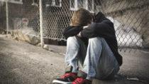 Eine neuer Bericht zeigt: Die Zahl der Behandlungen aufgrund psychischer Störungen bei Kindern und Jugendlichen ist in Bayern stark angestiegen. (Bild: pololia/fotolia.com)