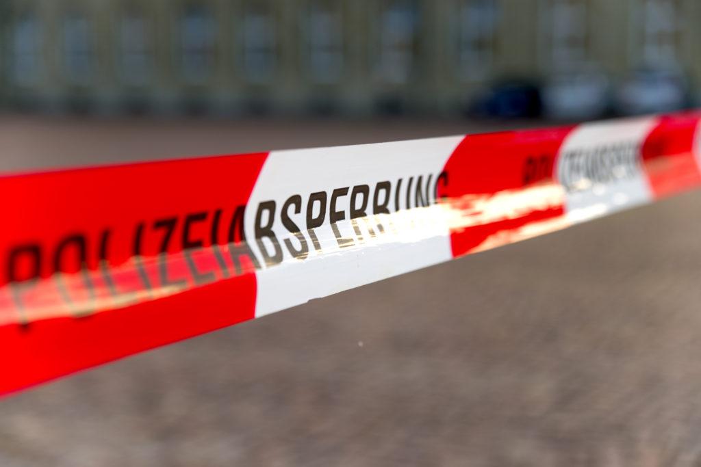 In München wurden am Freitag neun Menschen erschossen, 16 Personen wurden verletzt. Die Polizei geht von einem Einzeltäter aus. Möglicherweise war es ein Amoklauf. Wie kann es dazu kommen? (Bild: VRD/fotolia.com)