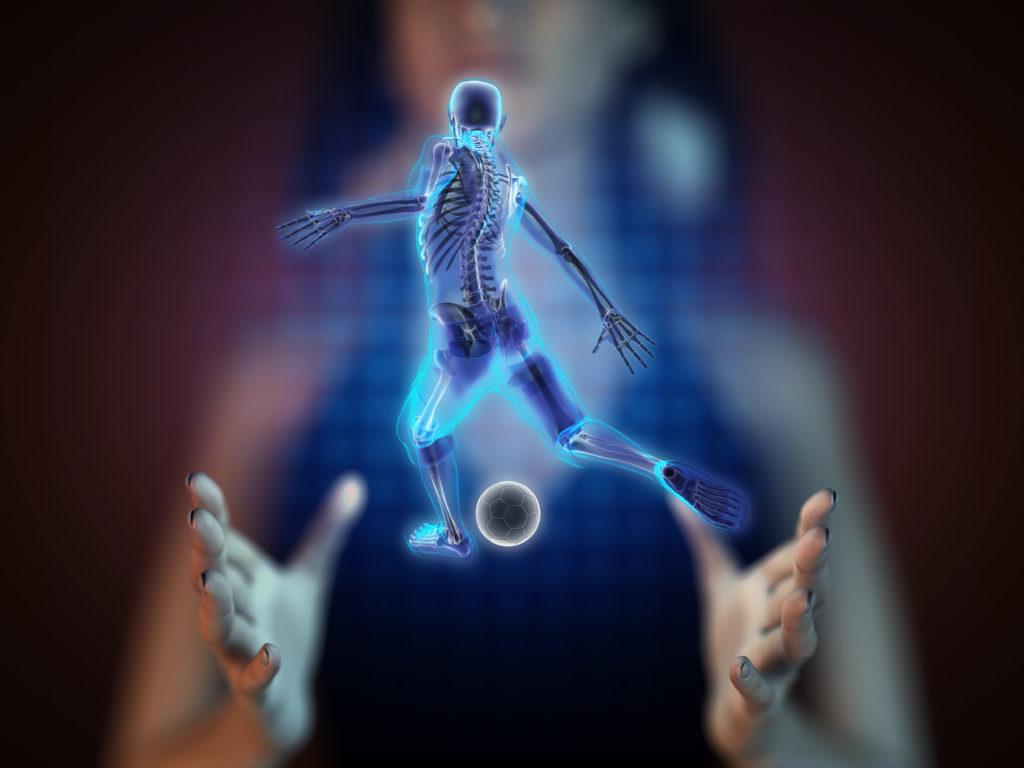 Beim Fußball sind Verletzungen durchaus keine Seltenheiten, wobei Muskelverletzungen in der Regel mehrere Wochen körperliche Schonung erforderlich machen. (Bild: videodoctor/fotolia.com)