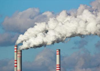 Es ist bekannt, dass Luftverschmutzung das Risiko für unter anderem Krebs- und Herz-Kreislauf-Erkrankungen erhöht. Laut einer aktuellen Studie könnte eine starke Feinstaubbelastung auch das Risiko für Alzheimer und Selbstmord erhöhen. (Bild: martin33/fotolia.com)