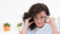 Wenn Frauen in die Menopause kommen verlieren sie ihre Fruchtbarkeit. Viele Frauen leiden unter der Menopause, weil sie sich noch ein Kind wünschen. Forscher gelang es jetzt durch eine Behandlung des Blutes die Menopause umzukehren. (Bild: Picture-Factory/fotolia.com)